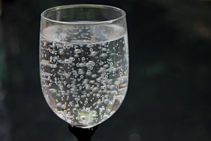 How Sparkling Water Harmful To Your Teeth?